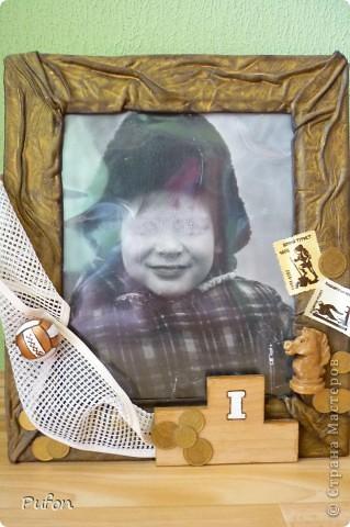 """""""Из чего сделан этот мальчишка""""  Размер рамочки 35 х 30 см  Вдохновением послужила фотография любимого мужа в детстве. На рамке почти все его увлечения!!"""