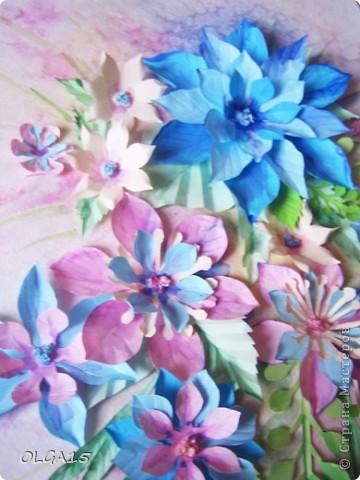Фон выполнен на акварельной бумаге, цветы тоже подкрашены акварелью. фото 2