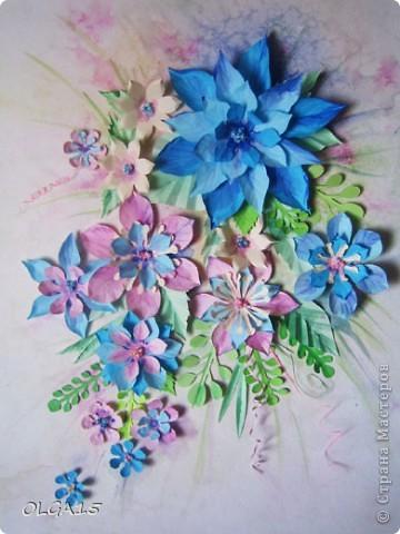 Фон выполнен на акварельной бумаге, цветы тоже подкрашены акварелью. фото 7