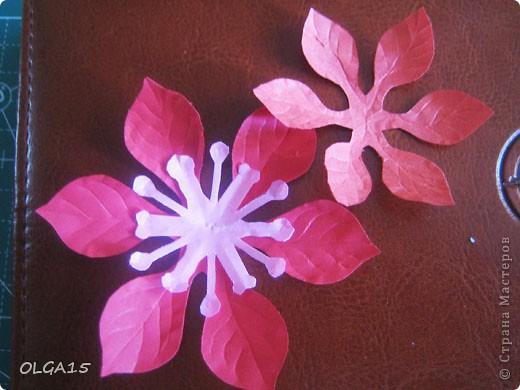 Фон выполнен на акварельной бумаге, цветы тоже подкрашены акварелью. фото 19
