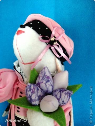 Зайка с тюльпанами фото 2