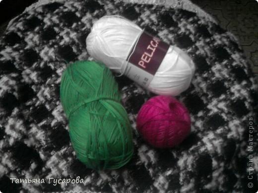 Первая моя сумочка для дочки. В процессе вязания пришла идея для изготовления сарафанчика и панамки. фото 2
