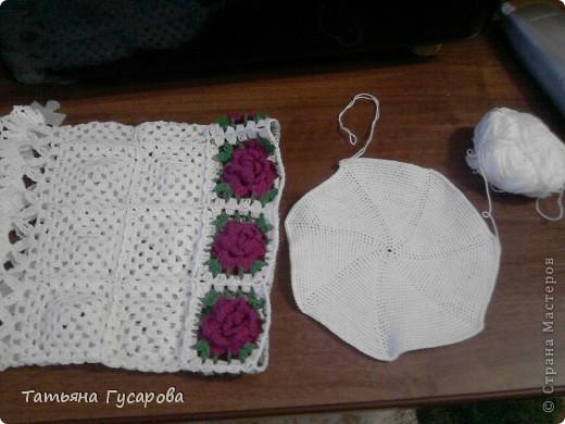 Первая моя сумочка для дочки. В процессе вязания пришла идея для изготовления сарафанчика и панамки. фото 5