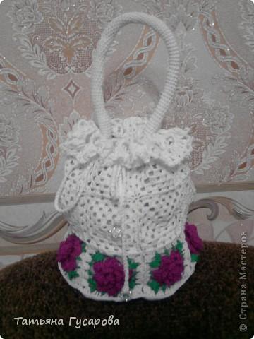 Первая моя сумочка для дочки. В процессе вязания пришла идея для изготовления сарафанчика и панамки. фото 9
