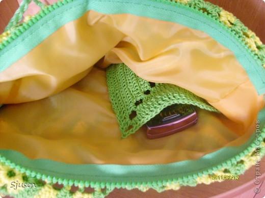 Есть у меня в летнем гардеробе салатовый сарафан - к нему и связала эту сумочку)) фото 3