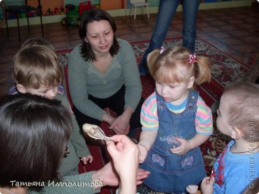 """Клуб """"Капелька"""" организован для детей с одного года до трёх лет.Мы ходим на занятия уже второй год,в этом году София (3,3)захотела приобщить и свою младшую сестрёнку Варюшу(1,6) фото 16"""