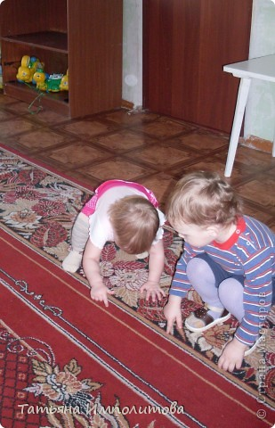 """Клуб """"Капелька"""" организован для детей с одного года до трёх лет.Мы ходим на занятия уже второй год,в этом году София (3,3)захотела приобщить и свою младшую сестрёнку Варюшу(1,6) фото 17"""