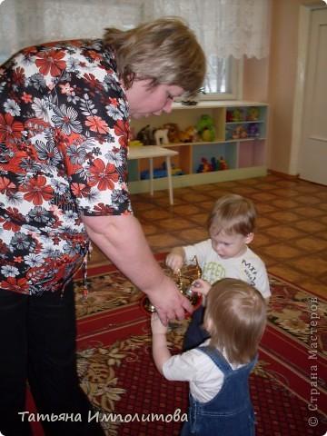 """Клуб """"Капелька"""" организован для детей с одного года до трёх лет.Мы ходим на занятия уже второй год,в этом году София (3,3)захотела приобщить и свою младшую сестрёнку Варюшу(1,6) фото 21"""