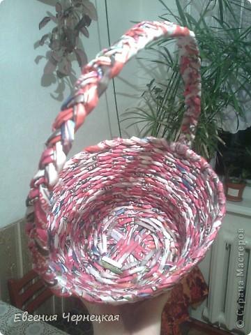 Всем здравствуйте! Только закончила плетение своей корзинки. Сразу выкладываю. фото 2