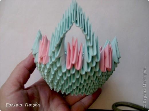 Для создания этой вазы вам потребуется 1032 модуля: 608 голубых и 424 розовых. фото 13