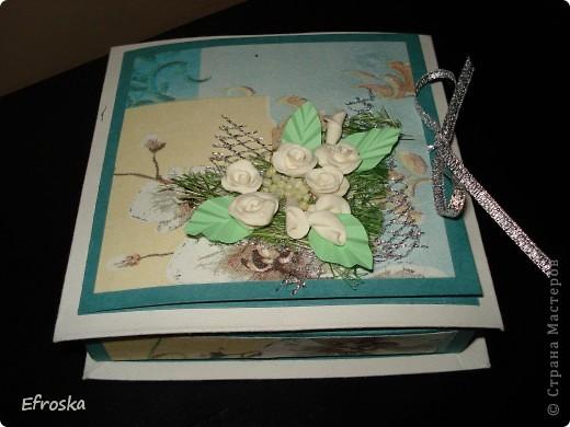 Эту коробочку делала на юбилей для любимого родственника. Мк по изготовлению самой коробочки здесь: http://mu-ha.blogspot.com/2009/09/blog-post_11.html фото 1
