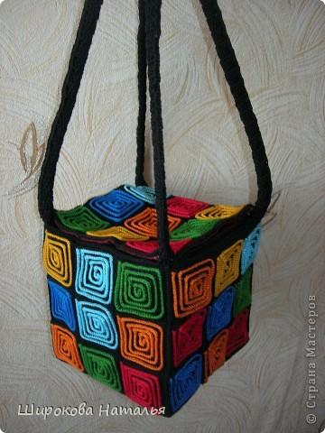 1. вот моя сумка из квадратов. оригинал из кожезаменителя насмотрела в магазине, только дорого. а тут представился случай сделать что-то подобное фото 5