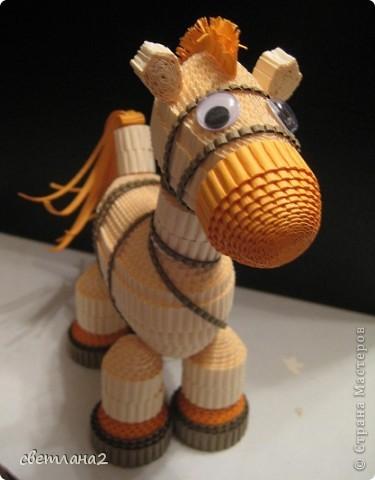 Вот такая лошадка получилась у меня. Сделала образец для кружка. Думаю, детям очень понравится. Правда не совсем Конёк-горбунок, но мне чем-то он напоминает его. фото 2