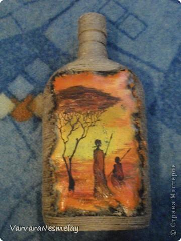 Давно хотела попробовать декор бутылочек. И вот представился случай) Другу очень по душе африканские мотивы, поэтому решила сделать бутылочку в этом стиле фото 5