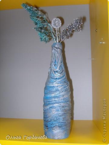 Очень понравился декор бутылок тканью или чулком. фото 2