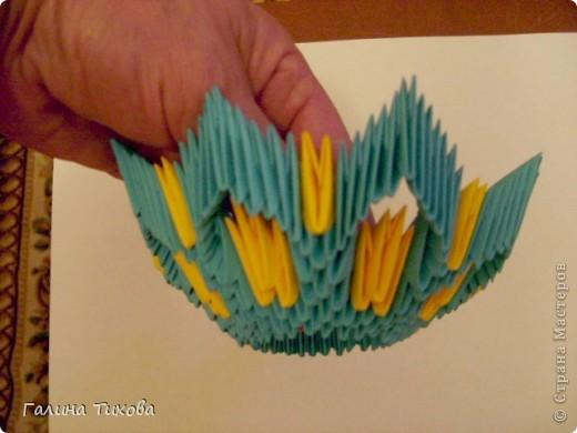 Для создания такой жар-птицы мне потребовлось:1225 модулей (772 голубых, 345 жёлтых, 96 красных, 11 белых и 1 чёрный) фото 15