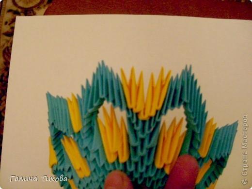 Для создания такой жар-птицы мне потребовлось:1225 модулей (772 голубых, 345 жёлтых, 96 красных, 11 белых и 1 чёрный) фото 16