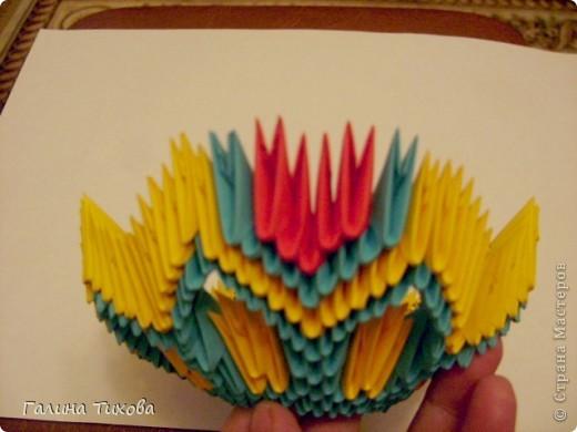 Для создания такой жар-птицы мне потребовлось:1225 модулей (772 голубых, 345 жёлтых, 96 красных, 11 белых и 1 чёрный) фото 19