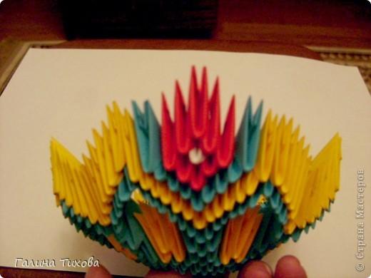Для создания такой жар-птицы мне потребовлось:1225 модулей (772 голубых, 345 жёлтых, 96 красных, 11 белых и 1 чёрный) фото 21