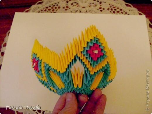 Для создания такой жар-птицы мне потребовлось:1225 модулей (772 голубых, 345 жёлтых, 96 красных, 11 белых и 1 чёрный) фото 24
