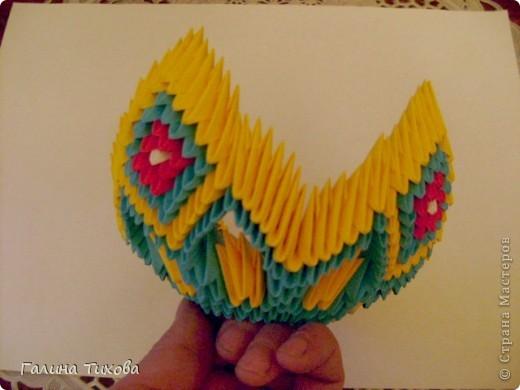 Для создания такой жар-птицы мне потребовлось:1225 модулей (772 голубых, 345 жёлтых, 96 красных, 11 белых и 1 чёрный) фото 25