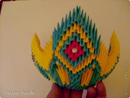 Для создания такой жар-птицы мне потребовлось:1225 модулей (772 голубых, 345 жёлтых, 96 красных, 11 белых и 1 чёрный) фото 28
