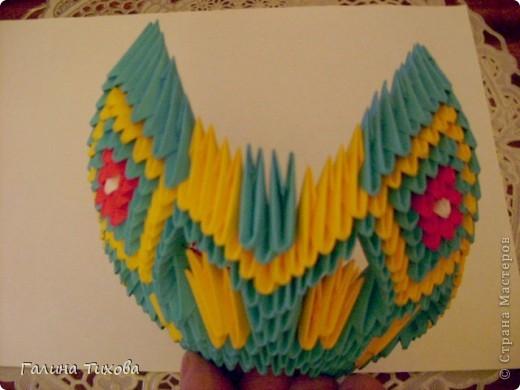 Для создания такой жар-птицы мне потребовлось:1225 модулей (772 голубых, 345 жёлтых, 96 красных, 11 белых и 1 чёрный) фото 31