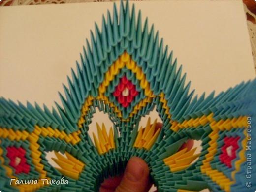 Для создания такой жар-птицы мне потребовлось:1225 модулей (772 голубых, 345 жёлтых, 96 красных, 11 белых и 1 чёрный) фото 39