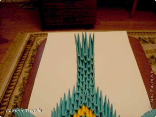 Для создания такой жар-птицы мне потребовлось:1225 модулей (772 голубых, 345 жёлтых, 96 красных, 11 белых и 1 чёрный) фото 41