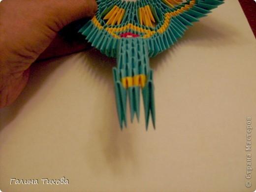Для создания такой жар-птицы мне потребовлось:1225 модулей (772 голубых, 345 жёлтых, 96 красных, 11 белых и 1 чёрный) фото 43
