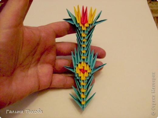 Для создания такой жар-птицы мне потребовлось:1225 модулей (772 голубых, 345 жёлтых, 96 красных, 11 белых и 1 чёрный) фото 58