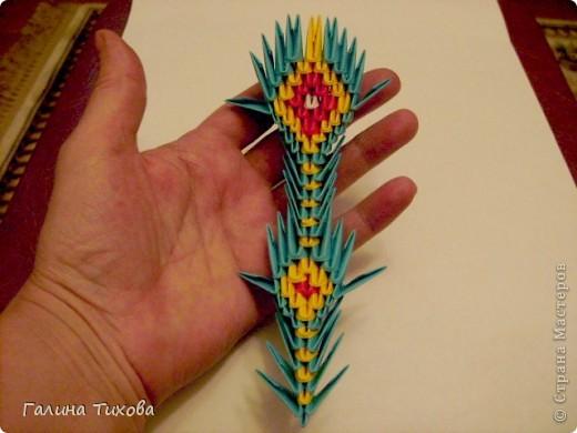 Для создания такой жар-птицы мне потребовлось:1225 модулей (772 голубых, 345 жёлтых, 96 красных, 11 белых и 1 чёрный) фото 64