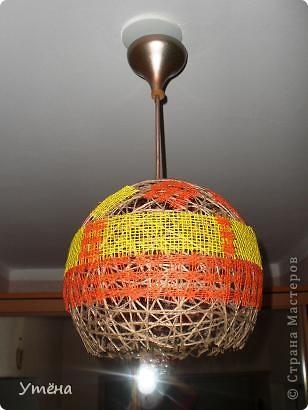 Этот абажур для прихожей делала из шпагата. фото 1