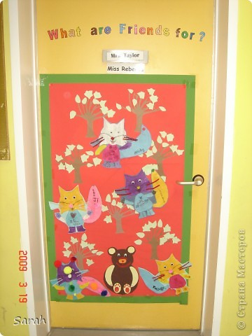 'We're Going on a Bear Hunt' story - one of my favourite stories. I wonder if there is a Russian translation of this book? This is our new book cover, the size of the classrom door. It took us 2-3 days to prepare the different parts of the display. фото 6