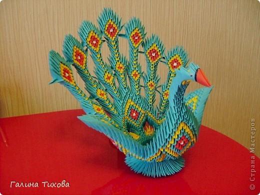 Для создания такой жар-птицы мне потребовлось:1225 модулей (772 голубых, 345 жёлтых, 96 красных, 11 белых и 1 чёрный) фото 67