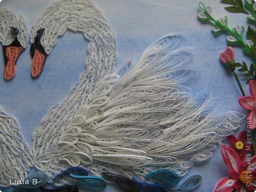 Все-таки переделала лебедей- заменила декор. Это окончательный вариант( спрятала под стекло в рамку - теперь не достать!). фото 4