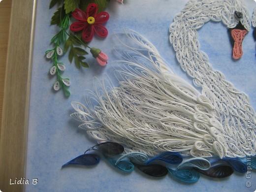Все-таки переделала лебедей- заменила декор. Это окончательный вариант( спрятала под стекло в рамку - теперь не достать!). фото 5