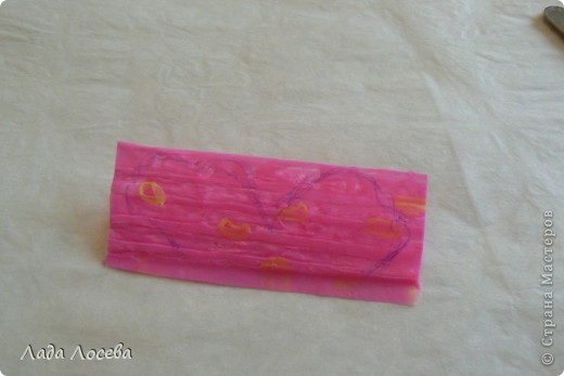 Картина из коктейльных трубочек, которые были проглажены через вощёную бумагу  фото 11
