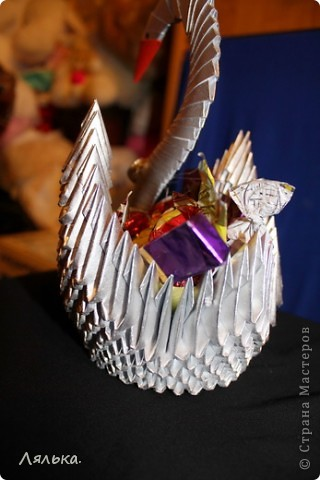 Серебристый лебедь с конфетками) фото 2