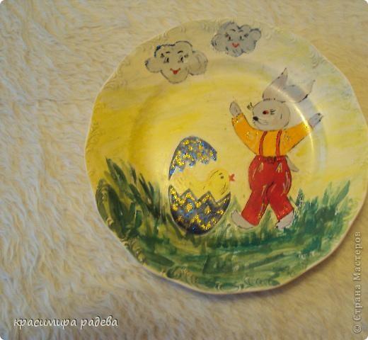 Подготовката за Великден продължава.Това са рисувани чинии с Великденски мотиви. фото 3