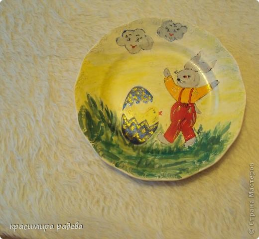 Подготовката за Великден продължава.Това са рисувани чинии с Великденски мотиви. фото 4