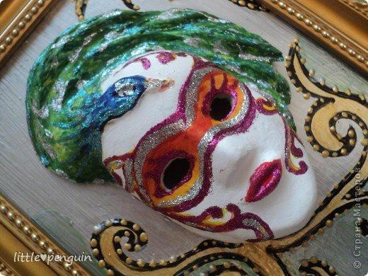 На днях сделала маску.Использовала туалетную бумагу и акриловые краски для росписи. фото 1