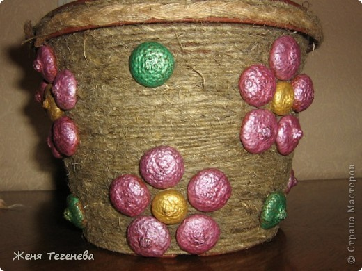 Цветочки из шапочек желудей
