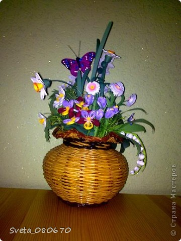 Цветы вплетеном  горшке. фото 2