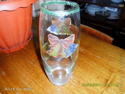 Это моя первая пробная работа.К Новому году решила украсить вазочку. фото 2