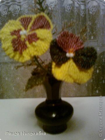 Цветы Анютины глазки в темной вазе.Бисероплетение.Бисер. фото 1