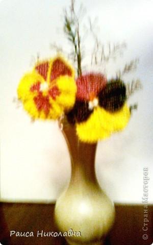 Цветы Анютины глазки в темной вазе.Бисероплетение.Бисер. фото 2