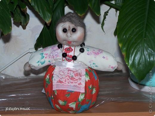 Продолжаю учиться у наших мастериц. Это моя Трындычиха, немного неказиста, но в нашей семье её полюбили. фото 3