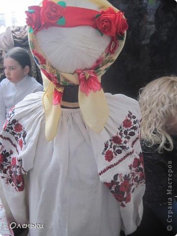 Оленька рассказывает гостям о своих работах  Фото маленькое, случайно нашли в интернете!!!! фото 25