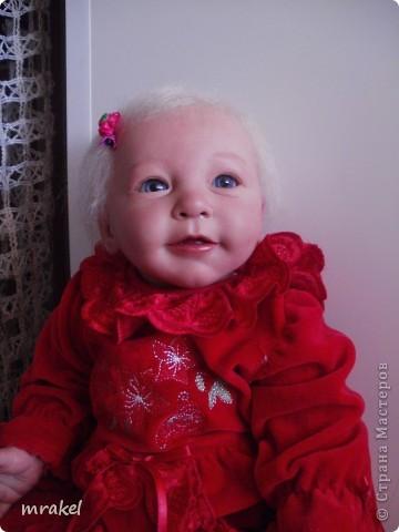 1 апреля закончила возрождать девочку Лизу. Рост её 56см., вес 2400кг. Так как это девочка, то имеется магнитная заколка на голове. фото 6
